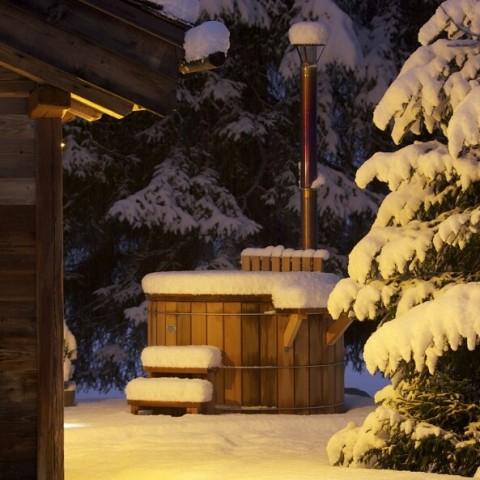 storvatt-mazot-charme-bain-nordique-neige-jardin